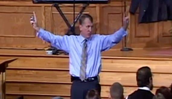 Pastor homófobo Sean Harris