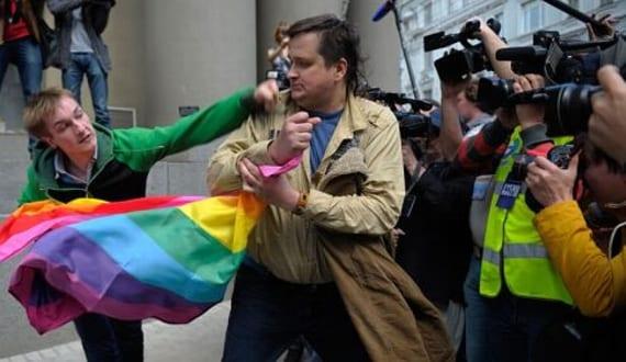 Persecución colectivo gay Moscú