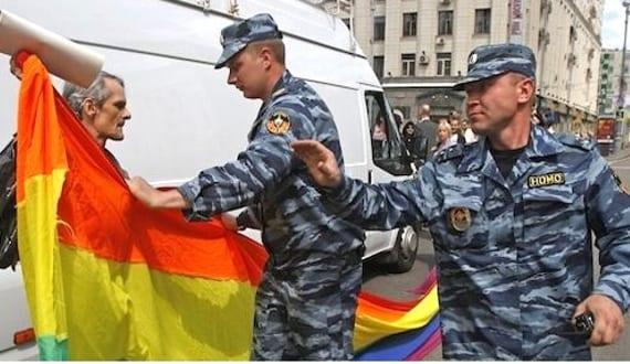 Rusia prohibe manifestaciones gays cien años