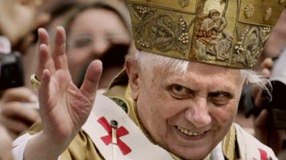 Ratzinger ataca gays