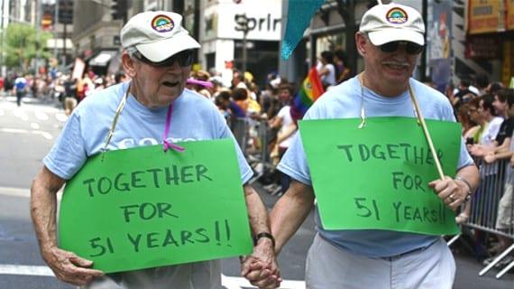 Pareja gay ancianos