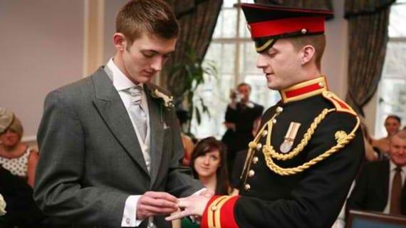 Soldados matrimonio gay