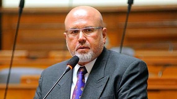Carlos Bruce, congresista peruano