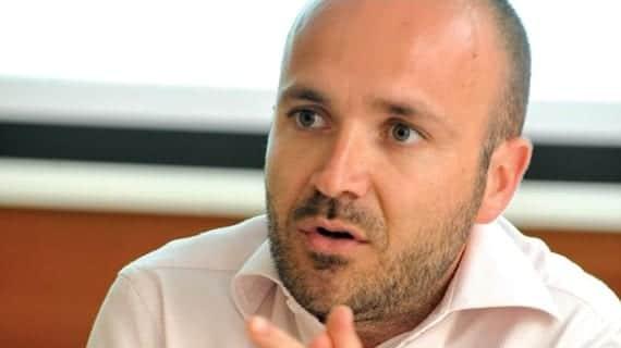 Dr. Neil Falzon, legislador impulsor del proyecto de uniones civiles