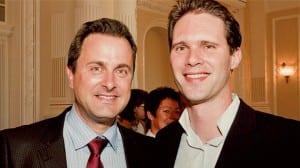 Primer Ministro luxemburgués Xavier Bettel (izq.) junto a su pareja Destenay Gauthier