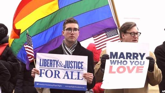 Manifestación a favor del matrimonio igualitario en la corte federal de Norfolk, Virginia