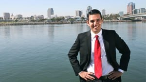 Robert García Long Beach