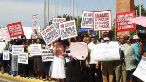 Homófobos evangélicos dominicanos