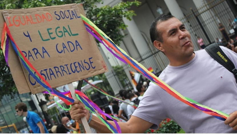 Costa Rica CCSS gay