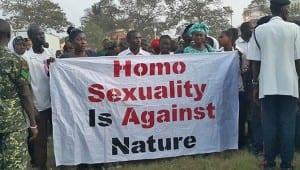 Gambia homofobia ayuda